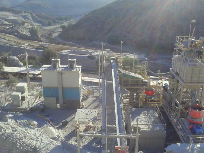 En año 2008 se instala planta actual con capacidad de 140 tons/hora y equipos e de última generación con control automático.