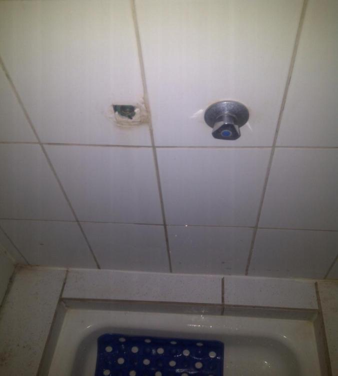 El robo de llaves que impide el uso de duchas